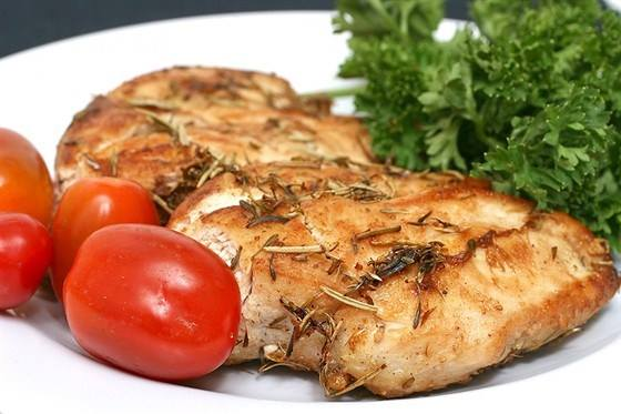 Как приготовить вкусно грудку куриную в духовке