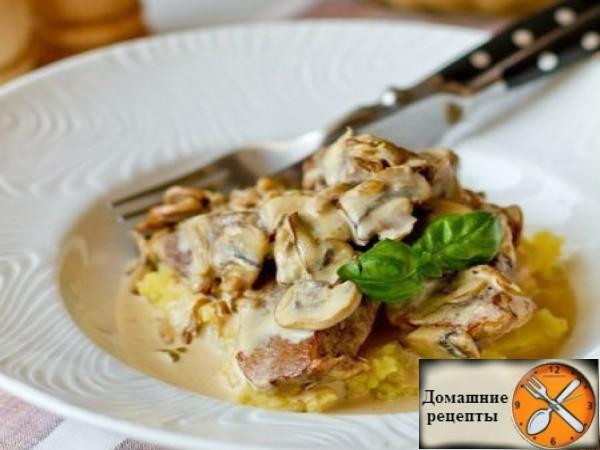 Свиная вырезка в сливочно-грибном соусе (2)