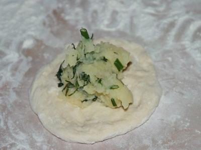 Потрясающе вкусные пирожки-лепешки с картошкой и сыром