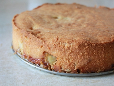 Пирог с яблоками и семечками