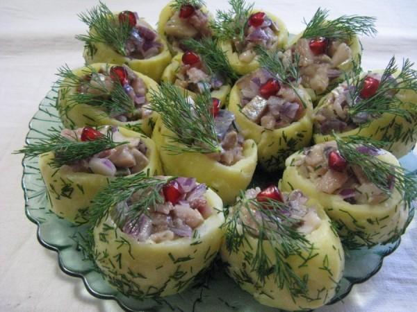 Подборка салатов и закусок на праздничный стол