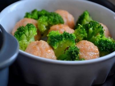 Рыбные фрикадельки в сливочном соусе