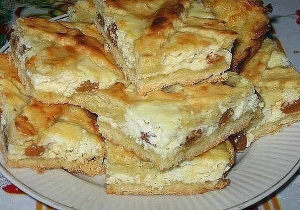 Бесподобный пирог с творогом и изюмом - просто наслаждение!