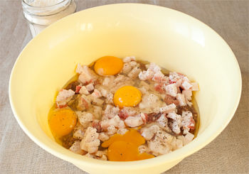 Домашняя печеночная колбаса с салом и чесноком 5